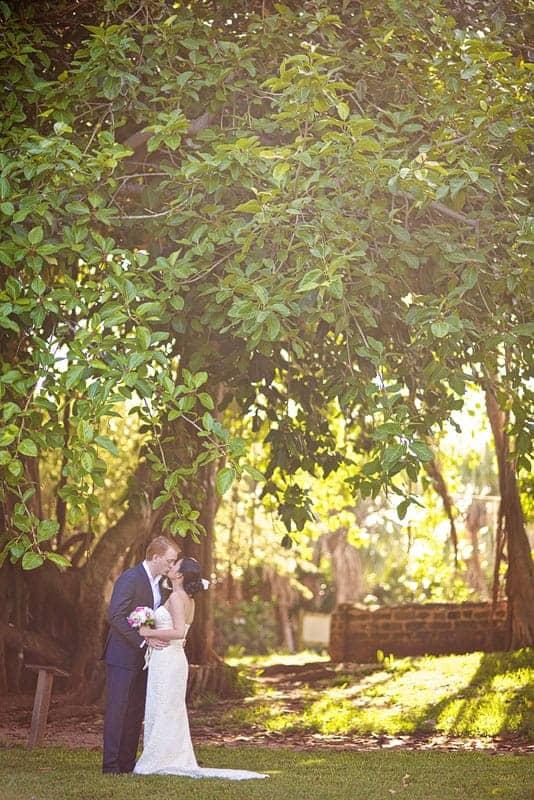 Bride and groom photo shoot at the Bermuda Botanical Gardens